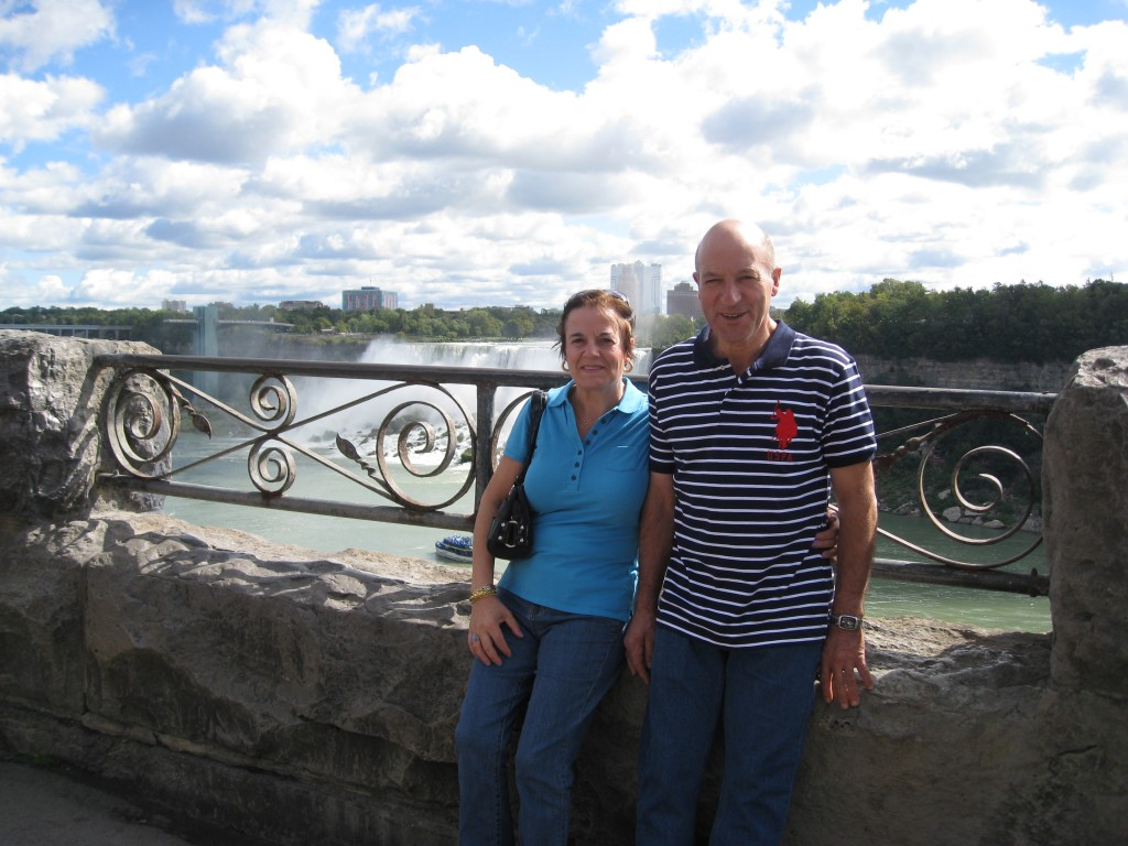 My parents at Niagara